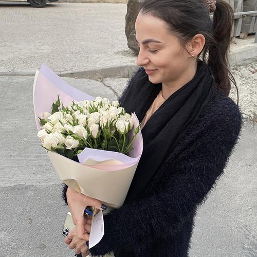 Фото товара 19 кустовых роз
